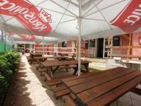 venkovní terasa - Pronájem komerčního objektu 5555 m², Praha 10 - Nedvězí u Říčan