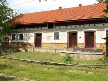 stáje - Prodej domu v osobním vlastnictví 318 m², Vitice