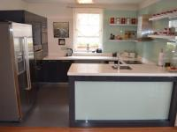 Kuchyně - Prodej domu v osobním vlastnictví 269 m², Praha 9 - Horní Počernice
