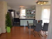 Jídelna - Prodej domu v osobním vlastnictví 269 m², Praha 9 - Horní Počernice