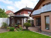 Zahrada, altán - Prodej domu v osobním vlastnictví 269 m², Praha 9 - Horní Počernice