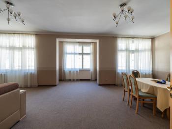 Prodej nájemního domu, 736 m2, Karlovy Vary