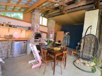 Letní kuchyň - Prodej domu v osobním vlastnictví 300 m², Kuks