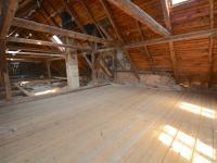Půda - Prodej domu v osobním vlastnictví 300 m², Kuks