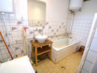 Koupelna - Prodej domu v osobním vlastnictví 300 m², Kuks