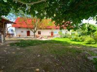 Nádvoří - Prodej domu v osobním vlastnictví 300 m², Kuks