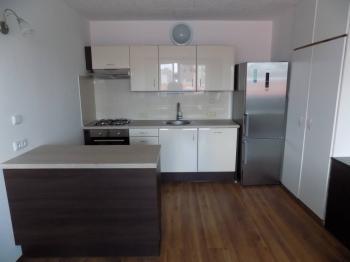 Pronájem bytu 3+kk v družstevním vlastnictví 64 m², Praha 4 - Modřany