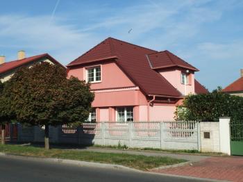 Vila, větší RD na pronájem, Praha 9 (Kbely)