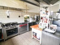 vybavená kuchyně - Pronájem restaurace 350 m², Šestajovice