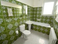 Koupelna - Pronájem domu v osobním vlastnictví 280 m², Praha 9 - Horní Počernice