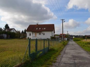 Pronájem pozemku 1000 m², Bašť