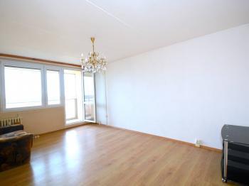 Obytná místnost - Prodej bytu 3+1 v osobním vlastnictví 80 m², Praha 10 - Hostivař