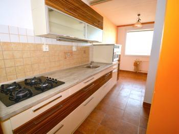 Kuchyň - Prodej bytu 3+1 v osobním vlastnictví 80 m², Praha 10 - Hostivař