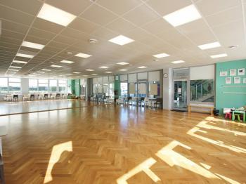 Pronájem komerčního prostoru (obchodní) v osobním vlastnictví, 139 m2, Praha 9 - Újezd nad Lesy