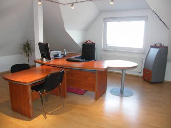 Pronájem komerčního prostoru (kanceláře) v osobním vlastnictví, 95 m2, Praha 9 - Horní Počernice