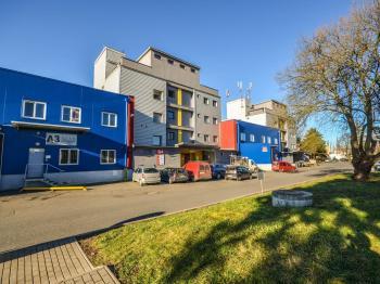 Pronájem komerčního prostoru (skladovací) v osobním vlastnictví, 508 m2, Praha 9 - Horní Počernice