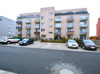 Pronájem bytu 1+kk v osobním vlastnictví, 36 m2, Hostivice