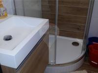 koupelna (Pronájem bytu 2+kk v osobním vlastnictví 43 m², Praha 10 - Strašnice)