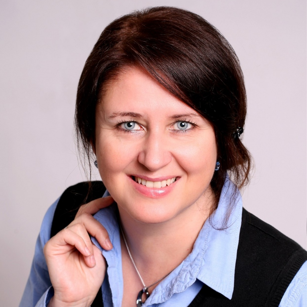 Mgr. Irena Vávrová