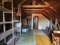 půda k možné vestavbě (Prodej domu v osobním vlastnictví 200 m², Hořovice)