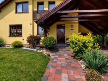 Prodej domu v osobním vlastnictví 224 m², Králův Dvůr