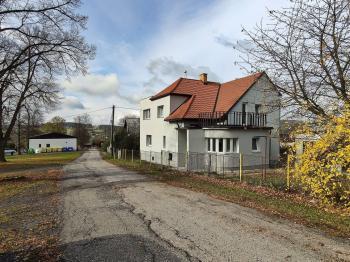 Prodej domu v osobním vlastnictví 182 m², Běštín