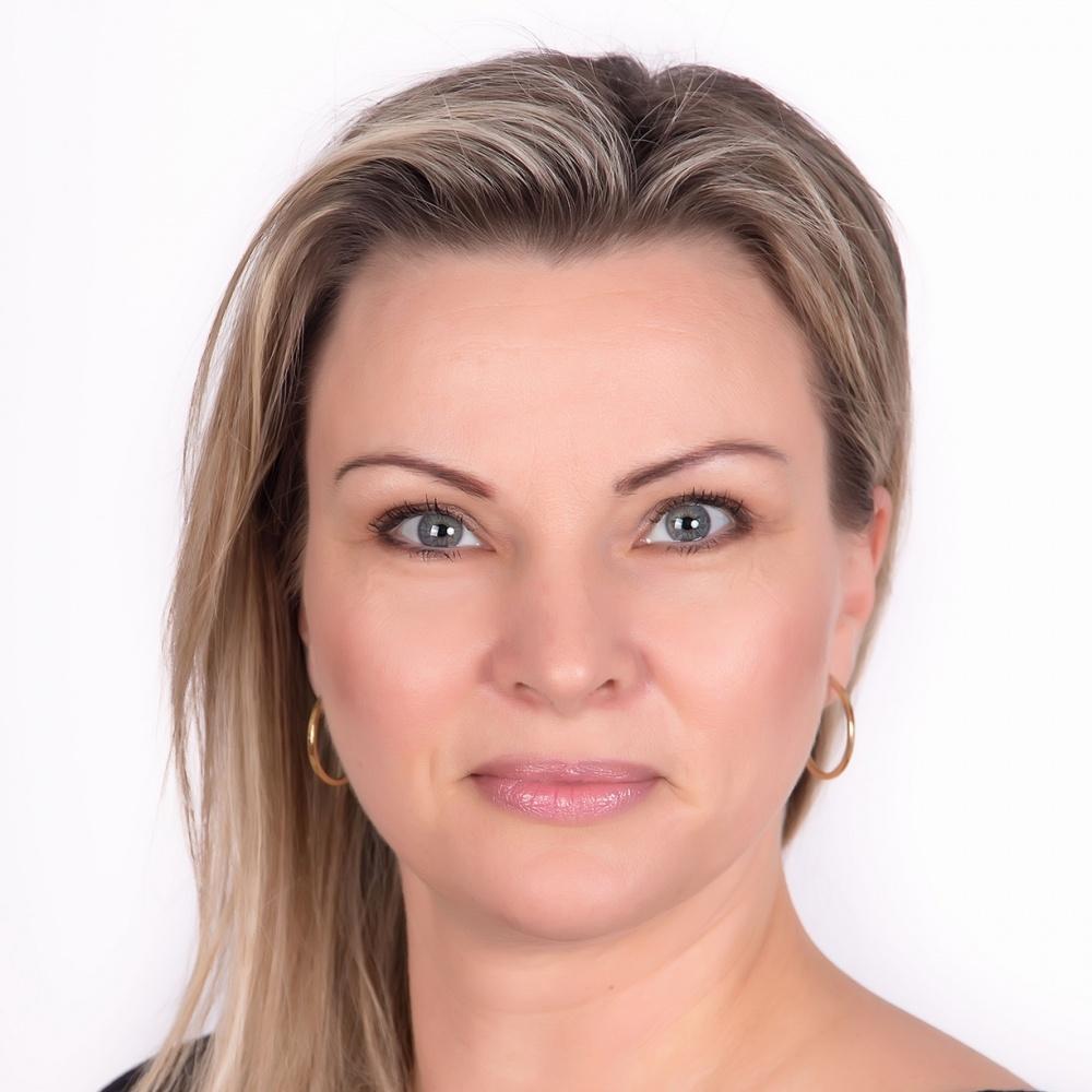 Miroslava Žwaková - RE/MAX Elite Reality 2