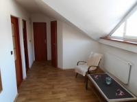 chodba v patře domu (Pronájem domu v osobním vlastnictví 200 m², Jablunkov)