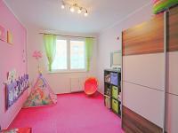 dětský pokoj (Prodej bytu 3+1 v osobním vlastnictví 80 m², Ostrava)