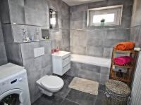 koupelna (Pronájem bytu 2+1 v osobním vlastnictví 47 m², Ostrava)