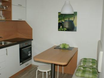 Kuchyň apartmán 1 - Prodej bytu 4+kk v osobním vlastnictví 70 m², Všemina