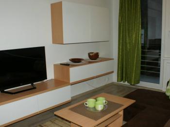 Obývací pokoj apartmán 1 - Prodej bytu 4+kk v osobním vlastnictví 70 m², Všemina
