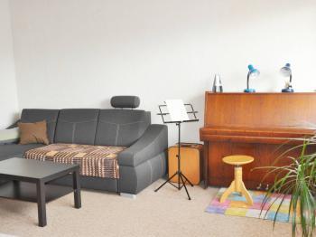 obývací pokoj - Prodej bytu 3+1 v družstevním vlastnictví 76 m², Kopřivnice