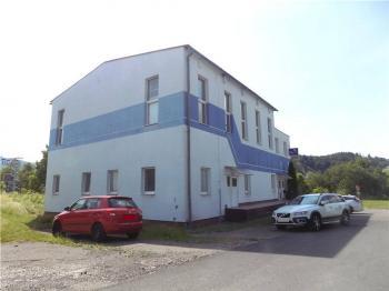 Prodej komerčního objektu 8025 m², Vražné