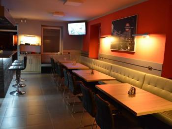 Pronájem restaurace 161 m², Rožnov pod Radhoštěm
