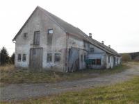 pohled od severu (Prodej zemědělského objektu 800 m², Mezná)