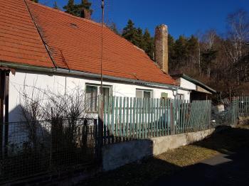 pohled z ulice - Prodej chaty / chalupy 65 m², Lubenec
