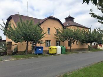 Prodej domu v osobním vlastnictví 274 m², Tuklaty