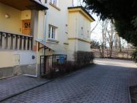 vjezd (Pronájem garážového stání 18 m², Olomouc)