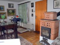 Prodej komerčního objektu 2330 m², Jesenec