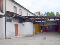Lahůdkárna (Prodej komerčního objektu 2330 m², Jesenec)