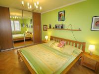 Praktická vestavná skříň (Prodej bytu 3+kk v osobním vlastnictví 70 m², Olomouc)
