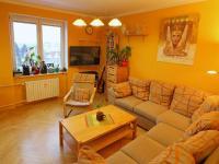 Obývací pokoj s krásným výhledem směřujícím na východ. (Prodej bytu 3+kk v osobním vlastnictví 70 m², Olomouc)