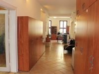 ilustrační foto - chodba (Pronájem kancelářských prostor 237 m², Olomouc)
