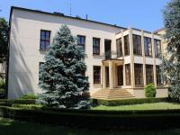 dům - pohled ze zahrady (Pronájem kancelářských prostor 237 m², Olomouc)