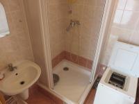 koupelna (Pronájem bytu 1+1 v osobním vlastnictví 39 m², Olomouc)