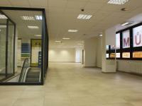 schody č. 1 (Pronájem obchodních prostor 680 m², Olomouc)