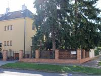 pohled z ulice Húskova (Prodej domu v osobním vlastnictví 240 m², Olomouc)