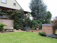 zahrada (Prodej domu v osobním vlastnictví 240 m², Olomouc)