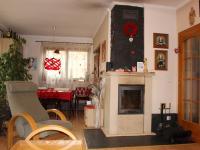 obývací pokoj s jídelnou (Prodej domu v osobním vlastnictví 240 m², Olomouc)